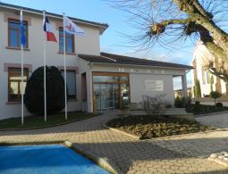 St Cyp- Mairie extérieur (1)