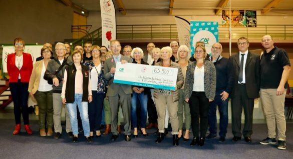 Une Rose Un Espoir : cérémonie de remise du chèque à la Ligue contre le cancer
